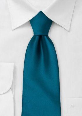 Corbata Azul y Traje Negro