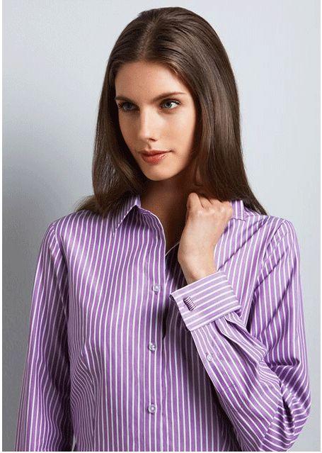 Blusa de mancuernillas violeta